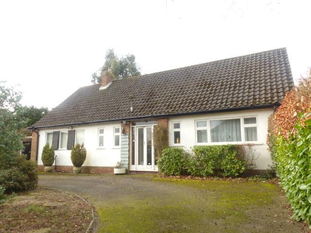 3 Bedrooms Detached Bungalow for sale in Holte Drive,Four Oaks,Sutton Coldfield