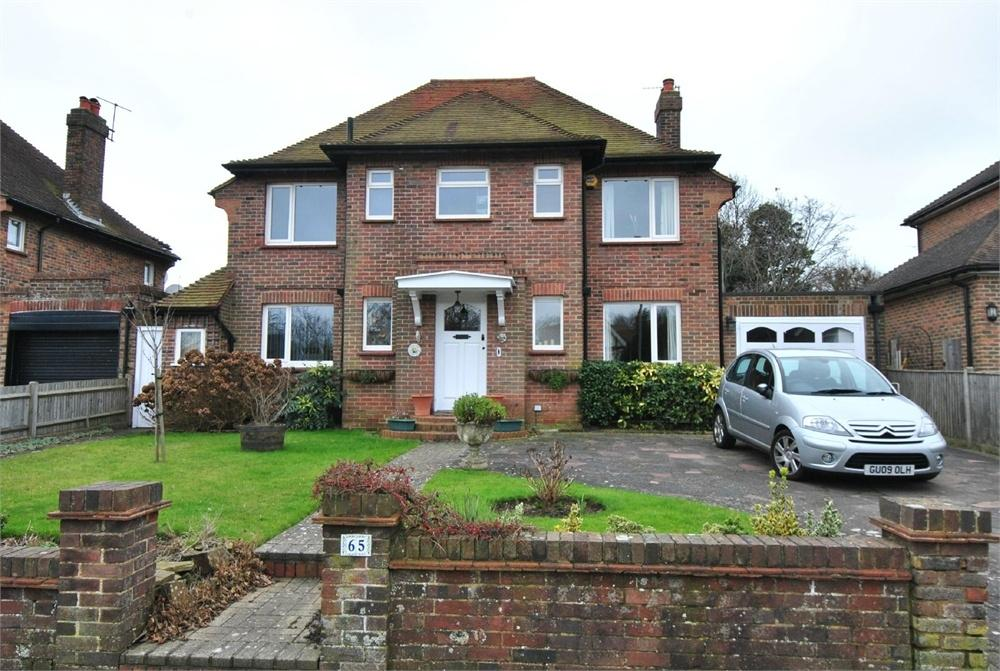 4 Bedrooms Detached House for sale in Cooden Drive, BEXHILL-ON-SEA, East Sussex