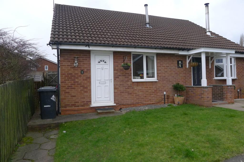 1 Bedroom Bungalow for sale in Logan Close, Oxley, Wolverhampton