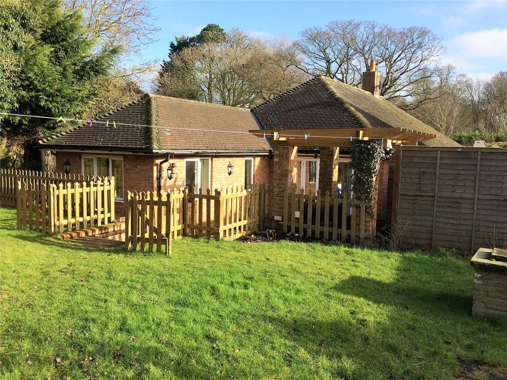 4 Bedrooms Detached House for sale in Blacksmiths, The Street, Saxlingham Nethergate, Norwich