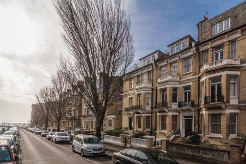 1 bedroom apartment to rent - First Avenue, Hove, BN3