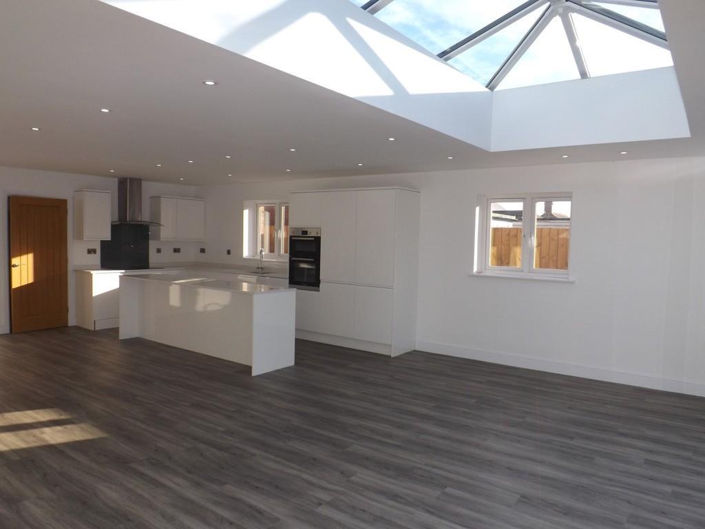 4 Bedrooms Detached House for sale in Gorefield Road, Leverington