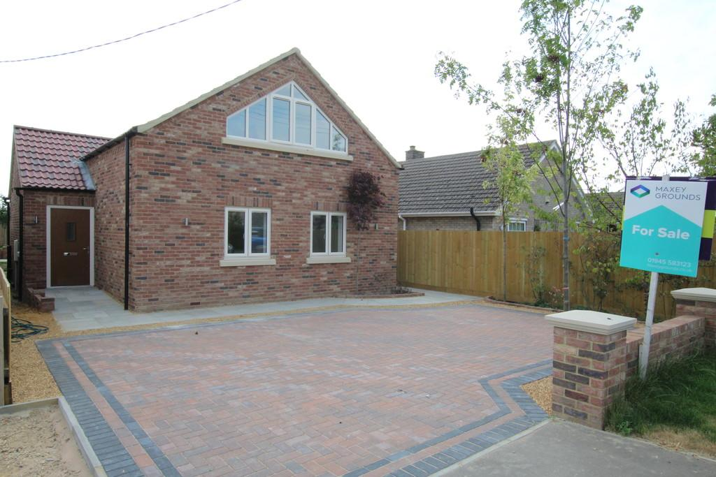 3 Bedrooms Chalet House for sale in Gorefield Road, Leverington
