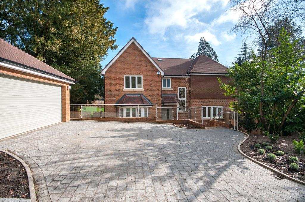 5 Bedrooms Detached House for sale in Westfield, Reigate, Surrey, RH2