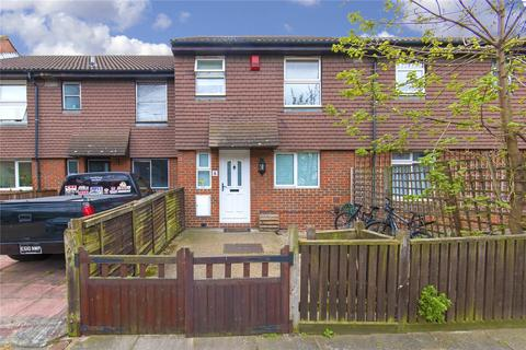 5 bedroom terraced house to rent - Mossington Gardens, London, SE16