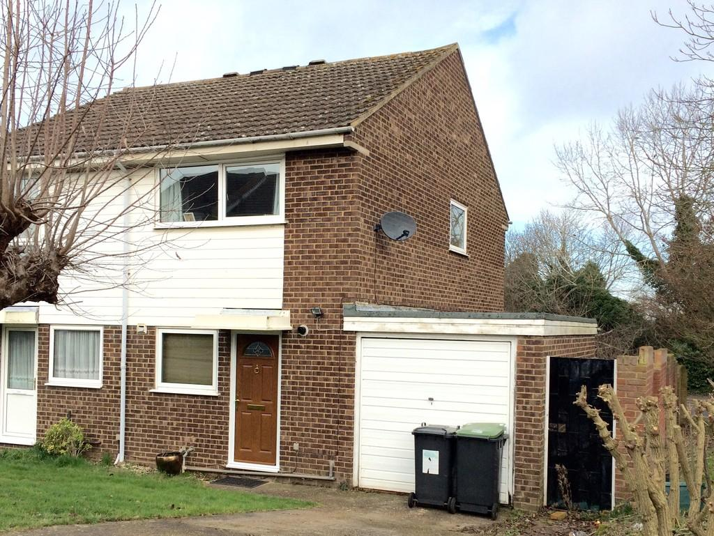 2 Bedrooms Semi Detached House for sale in Sassoon Close, Larkfield