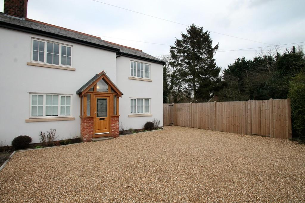 5 Bedrooms Semi Detached House for sale in Main Road, Ford End