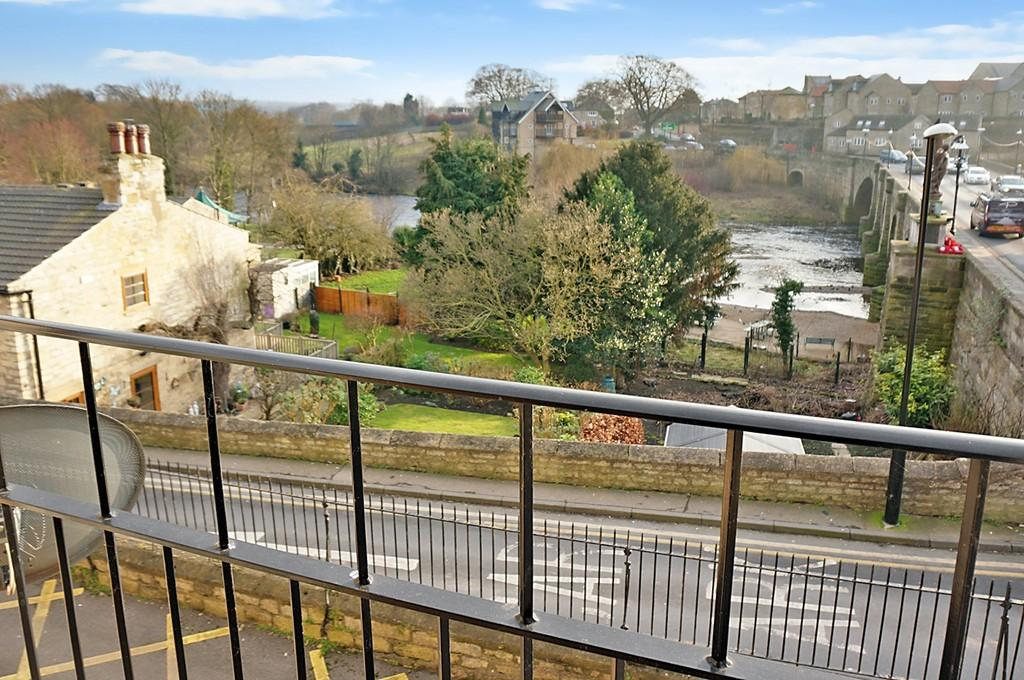 2 Bedrooms Apartment Flat for sale in Cliffe Terrace, Wetherby, LS22 6AL