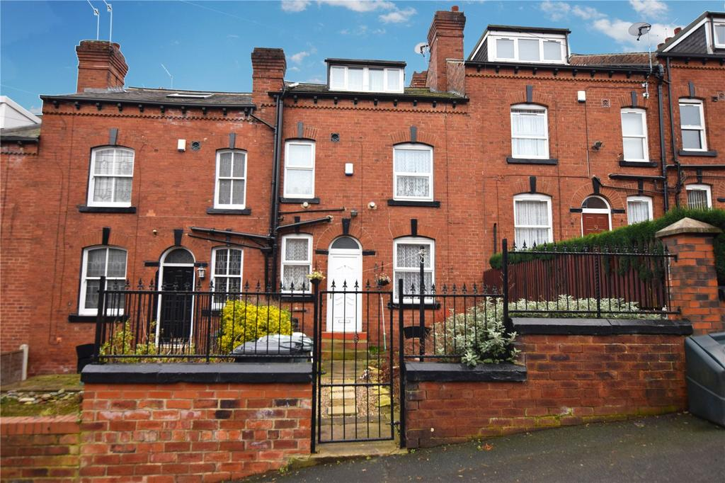 2 Bedrooms Terraced House for sale in Barton Grove, Leeds, West Yorkshire, LS11
