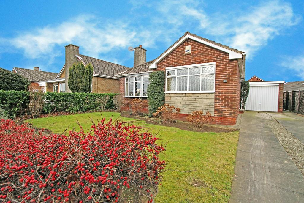 2 Bedrooms Detached Bungalow for sale in Hampole Balk Lane, Skellow, DN6 8LQ