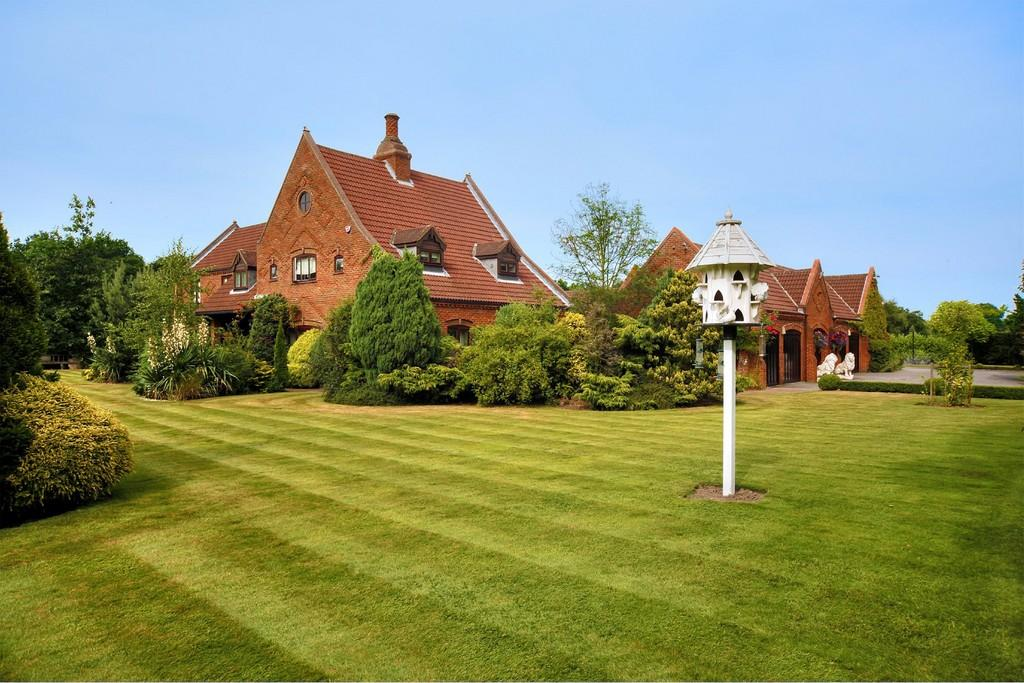 6 Bedrooms Detached House for sale in Great North Road, Bawtry, Doncaster