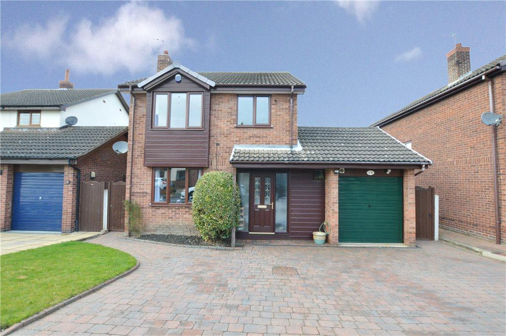 3 Bedrooms Detached House for sale in Ashgrove Croft, Kippax, Leeds