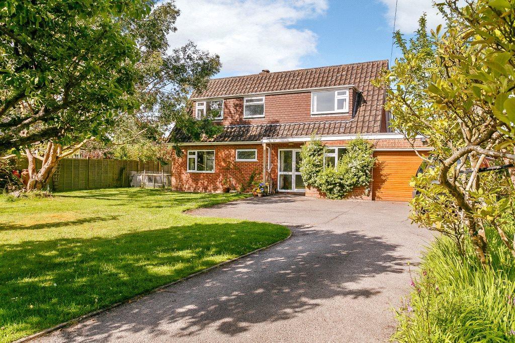 4 Bedrooms Detached House for sale in Pond Copse Lane, Loxwood, Billingshurst, West Sussex