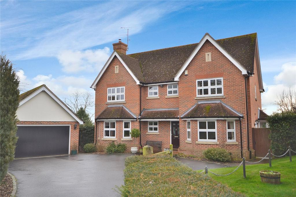 5 Bedrooms Detached House for sale in Penrose Mead, Writtle, Chelmsford, Essex