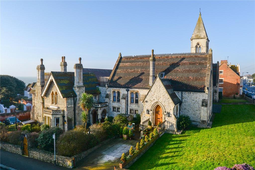 2 Bedrooms Terraced House for sale in Old School Mews, Sandgate Hill, Sandgate, Folkestone