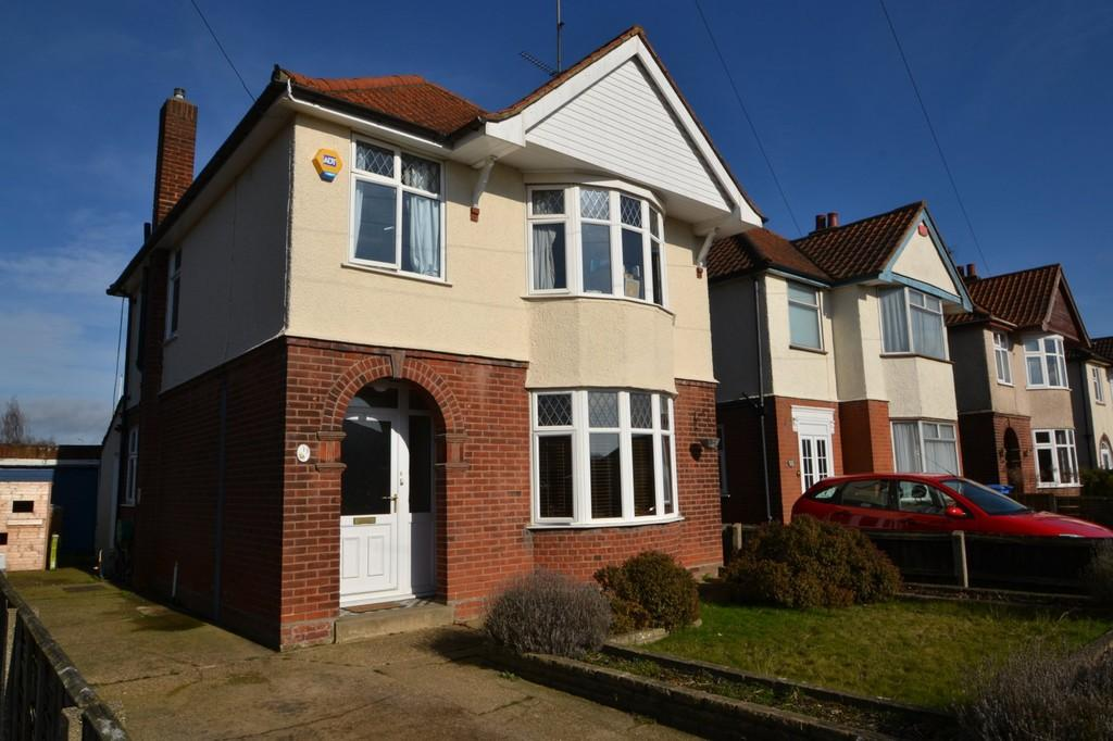 3 Bedrooms Detached House for sale in Sidegate Avenue, Ipswich, Suffolk