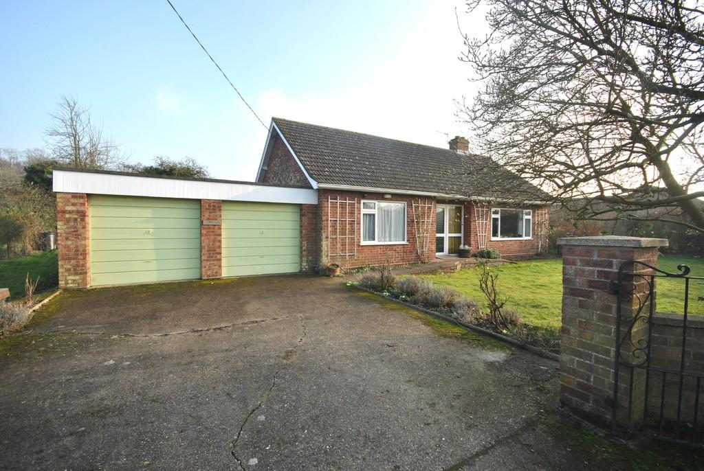 2 Bedrooms Detached Bungalow for sale in Redgrave, Suffolk