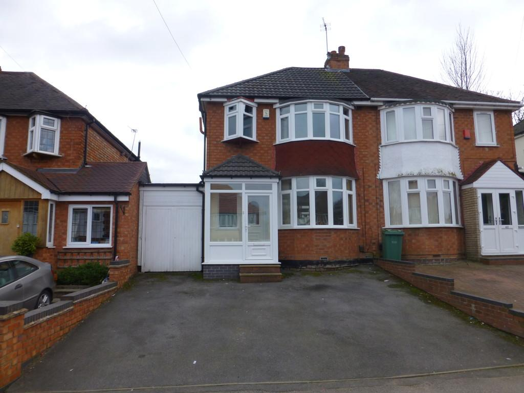 3 Bedrooms Semi Detached House for sale in Valley Road, Solihull