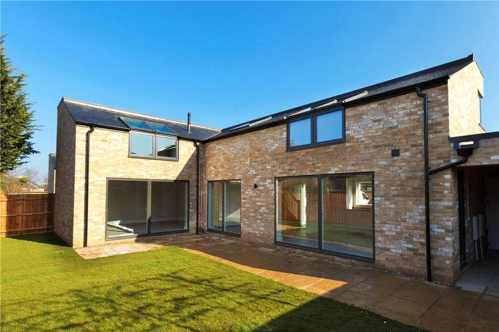 3 Bedrooms Detached House for sale in Leeland Gardens, Newmarket Road, Cambridge, CB5
