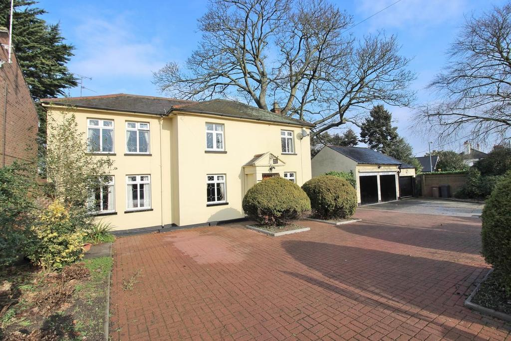 3 Bedrooms Detached House for sale in Widford Road, Chelmsford, Essex, CM2