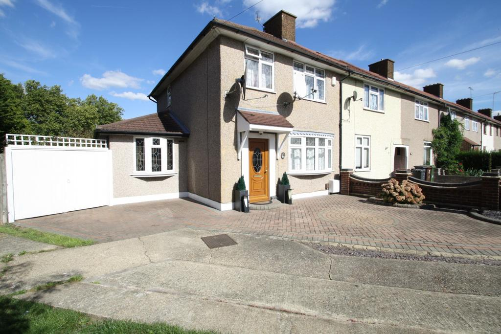 3 Bedrooms Terraced House for sale in TRESWELL ROAD, DAGENHAM, RM9