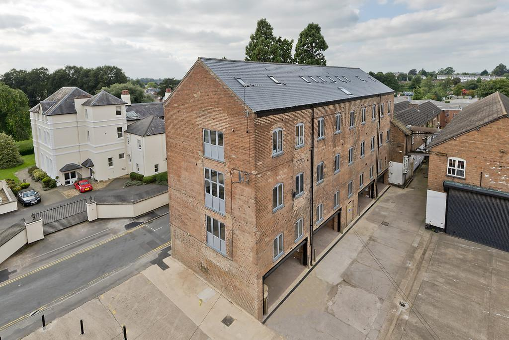 2 Bedrooms Apartment Flat for sale in Flat 10, Nelson Dale, Warwick