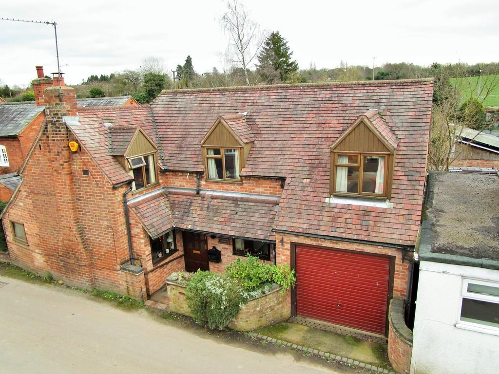 3 Bedrooms Link Detached House for sale in The Green, Snitterfield