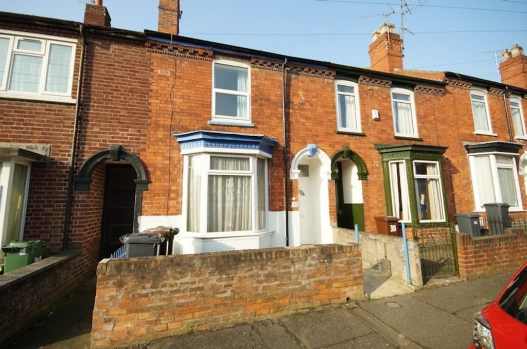 3 Bedrooms Terraced House for sale in Avondale Street, Lincoln