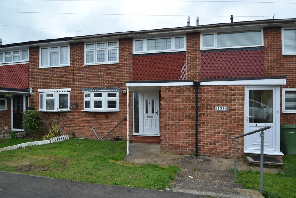 3 Bedrooms Terraced House for sale in Udall Gardens, Romford