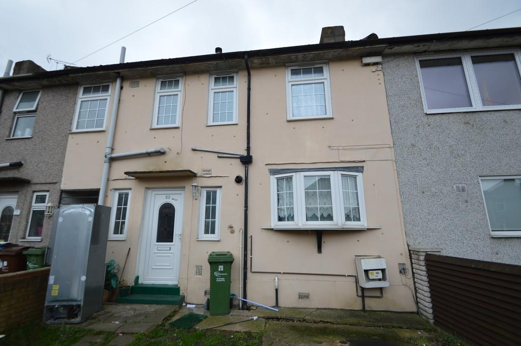 3 Bedrooms Terraced House for sale in Fieldway, Dagenham