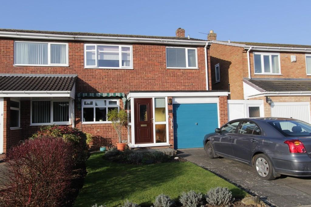 3 Bedrooms Semi Detached House for sale in Danelagh Close, Tamworth