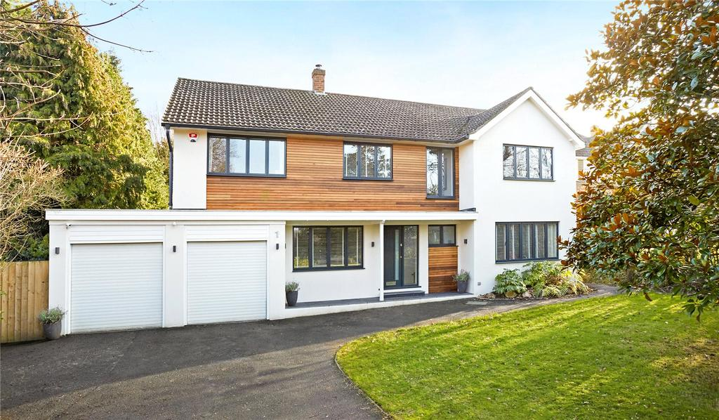 5 Bedrooms Detached House for sale in Church Close, Fetcham, Surrey, KT22