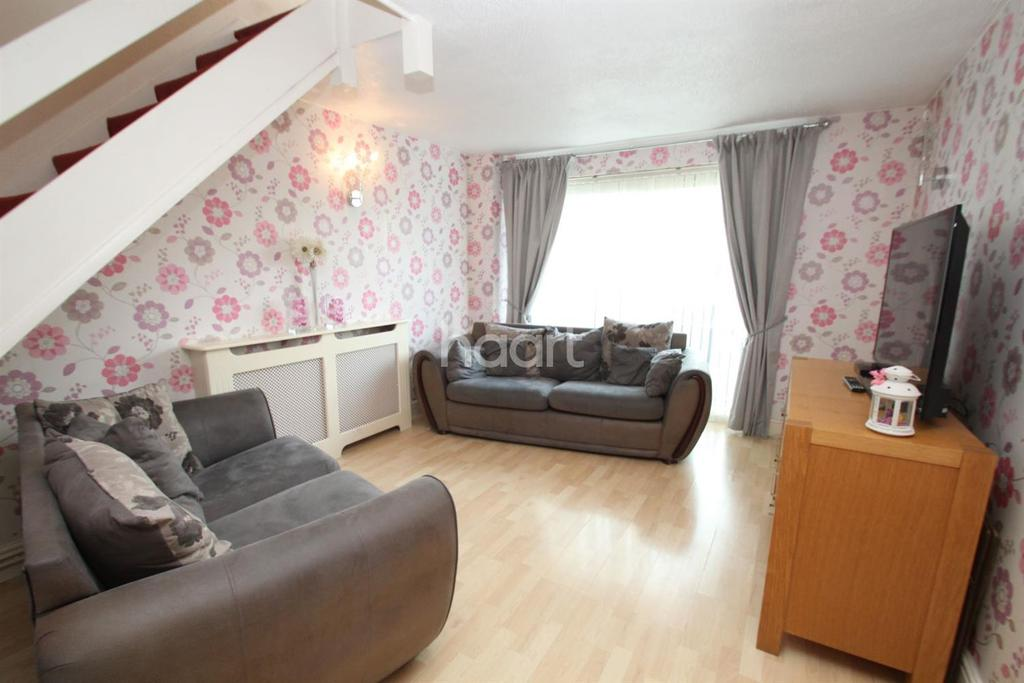 3 Bedrooms Terraced House for sale in Solway, East Tilbury