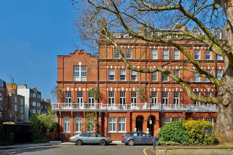 8 Bedrooms Semi Detached House for sale in Cheyne Gardens, Chelsea, London