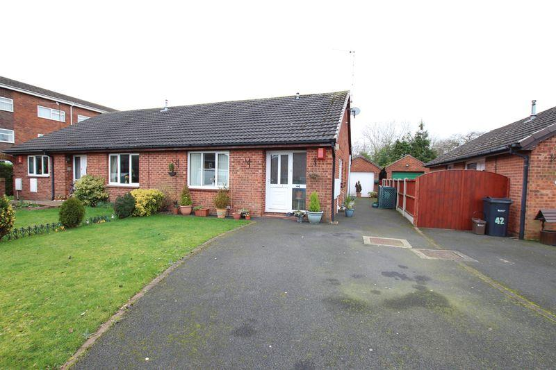 2 Bedrooms Bungalow for sale in Blackthorne Avenue, Whitby