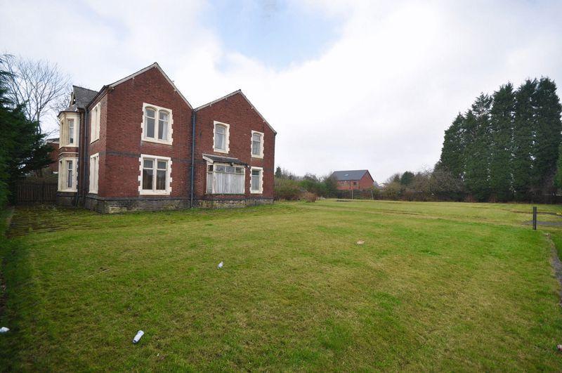 5 Bedrooms Detached House for sale in Starkey Street, Heywood