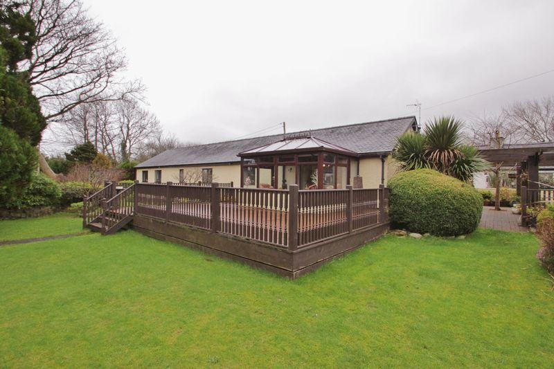 3 Bedrooms Detached Bungalow for sale in Groeslon, Gwynedd