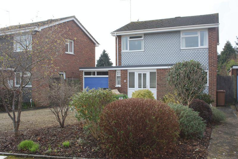 4 Bedrooms Detached House for sale in Abbeycroft, Pershore