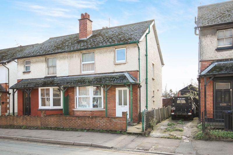 3 Bedrooms Semi Detached House for sale in NEWTOWN ROAD
