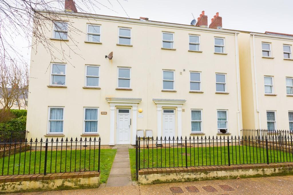 2 Bedrooms Maisonette Flat for sale in Le Bouet, St. Peter Port, Guernsey