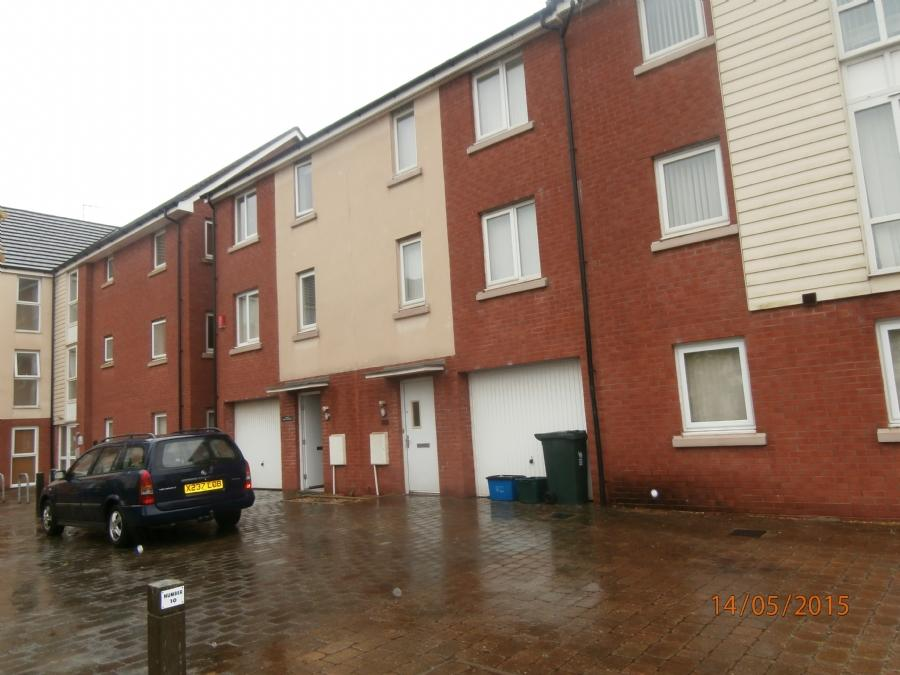3 Bedrooms Terraced House for sale in Alicia Crescent