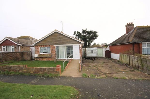 2 Bedrooms Bungalow for sale in Phyllis Avenue, Peacehaven, BN10