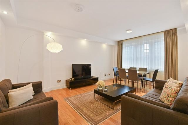 2 Bedrooms Flat for sale in Cedar Lodge, Exeter Road, London