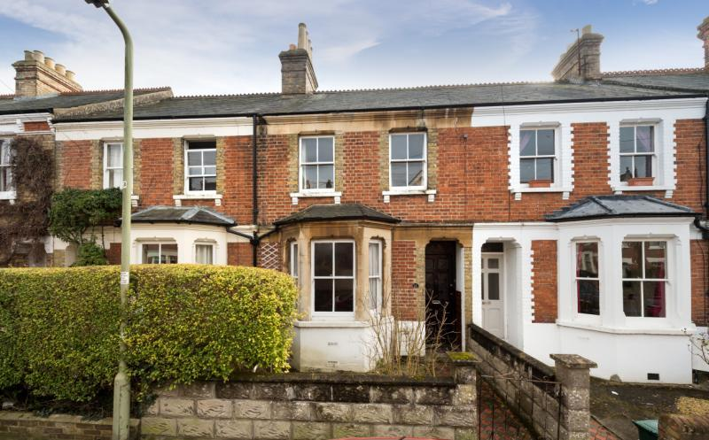 2 Bedrooms Terraced House for sale in Fairacres Road, Iffley Fields, Oxford