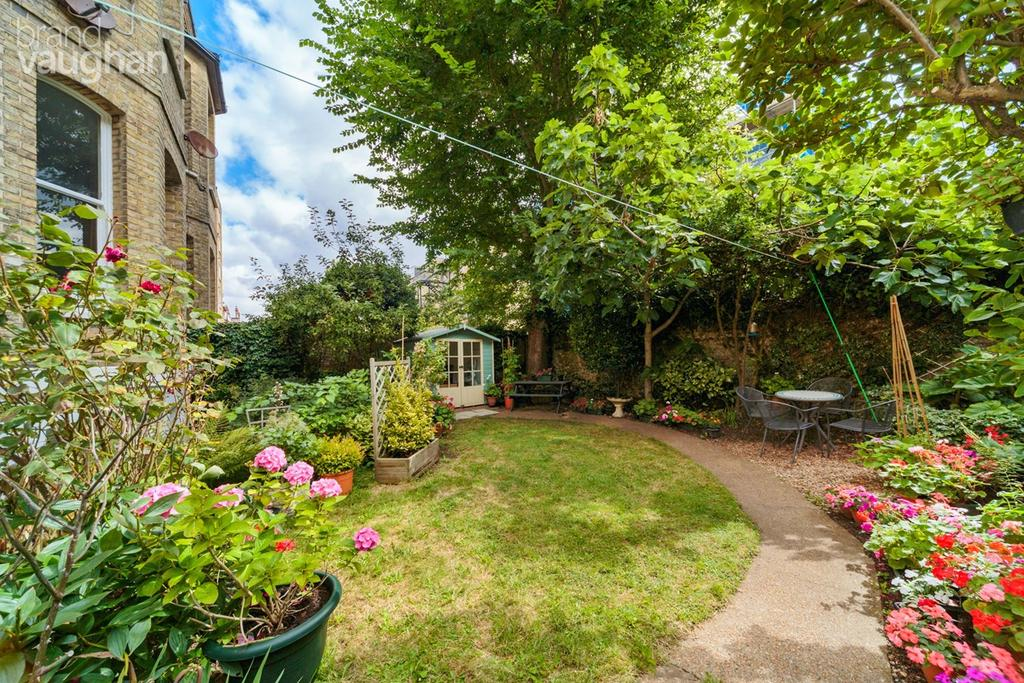 2 Bedrooms Flat for sale in Fourth Avenue, Hove, BN3