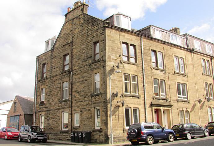 2 Bedrooms Flat for sale in 14/2 Croft Road, Hawick, TD9 9RD