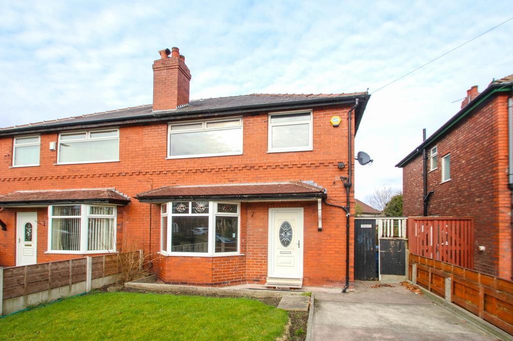 3 Bedrooms Semi Detached House for sale in Derbyshire Lane West, Stretford, Manchester, M32