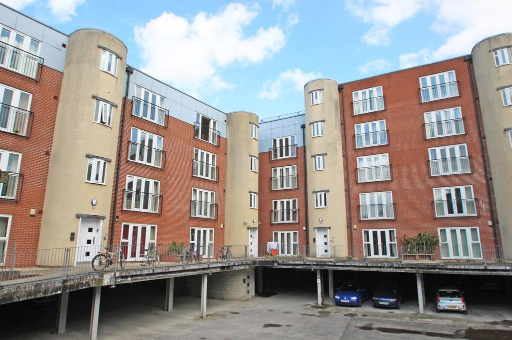 2 Bedrooms Apartment Flat for sale in St Lawrence Street, Hulme, Manchester, M15