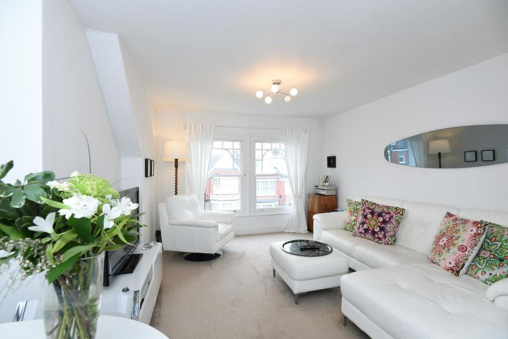 2 Bedrooms Flat for sale in Alexandra Park Road, Muswell Hill, N10