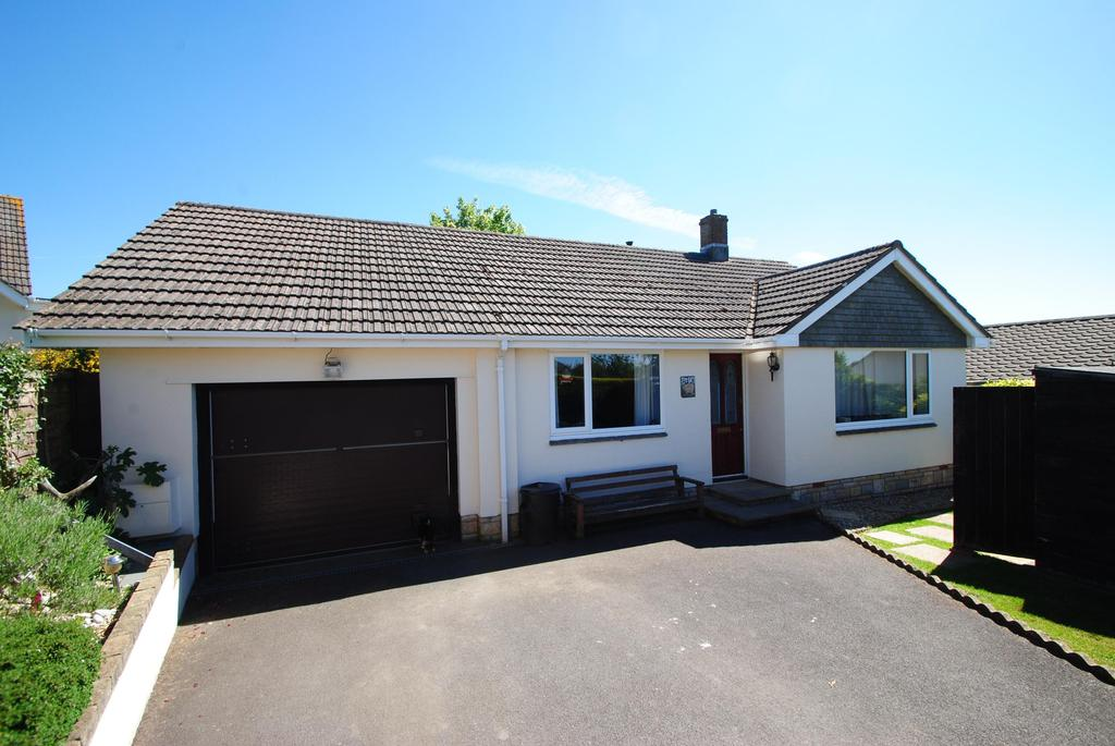 3 Bedrooms Bungalow for sale in Pathfields, Torrington